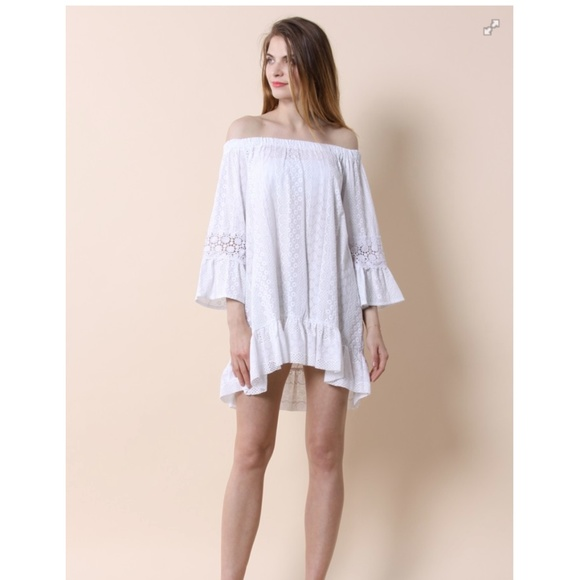 Chicwish Dresses & Skirts - NWT Chicwish white off the shoulder dress